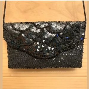 La Regale Beaded Sequined Scalloped Clutch Purse